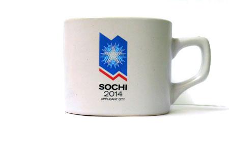 """Кружка с логотипом """"Sochi 2014 Applicant city""""."""